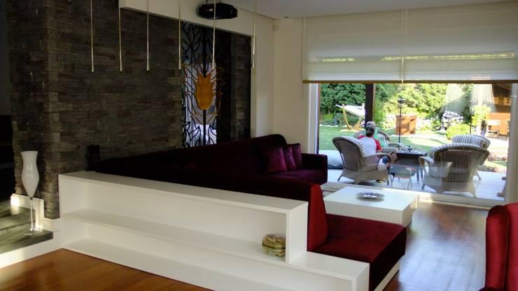 Salas de estilo moderno por EDMİMARLIK INTERIOR STUDIO
