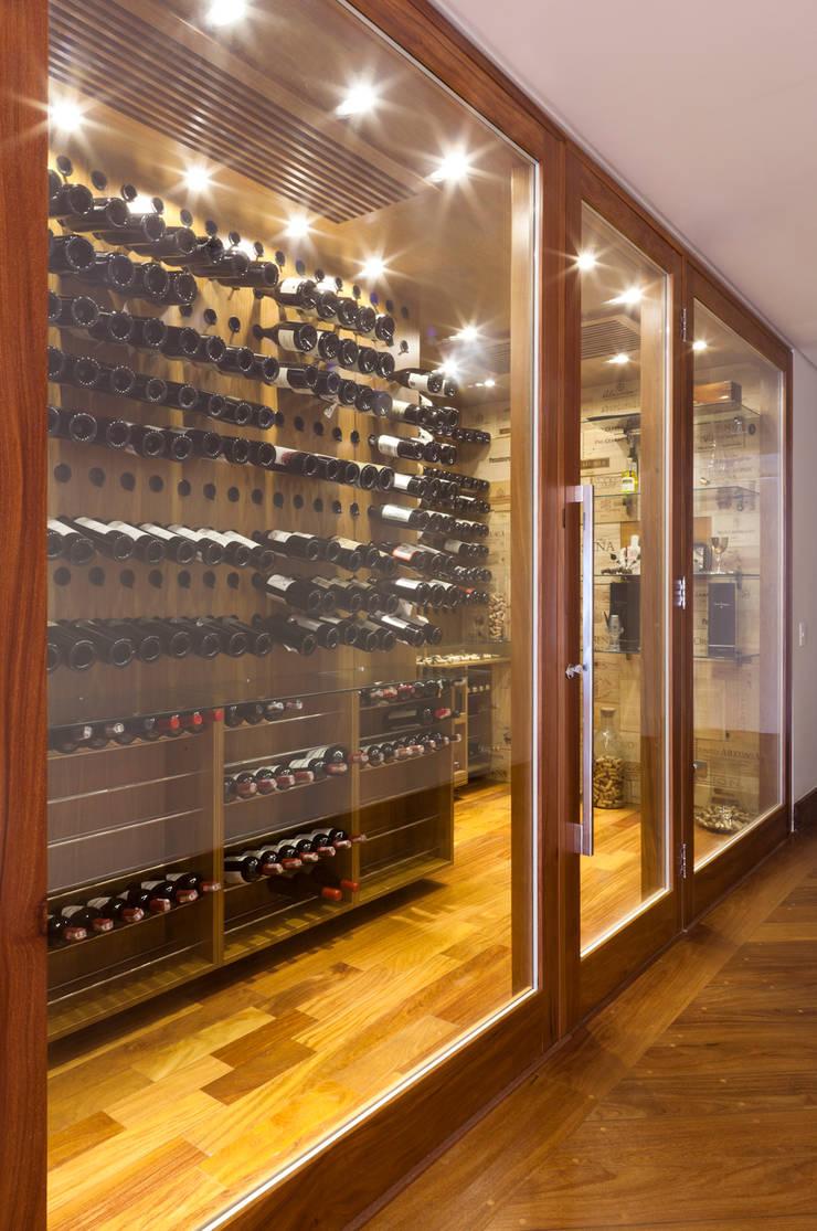 Ruang Penyimpanan Wine oleh ArkDek, Eklektik