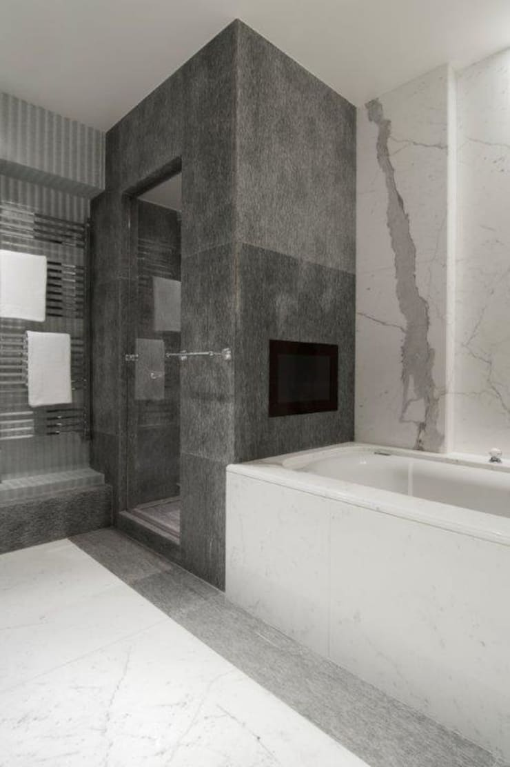 Stephanie Coutas's projects:  Bathroom by Stephanie Coutas
