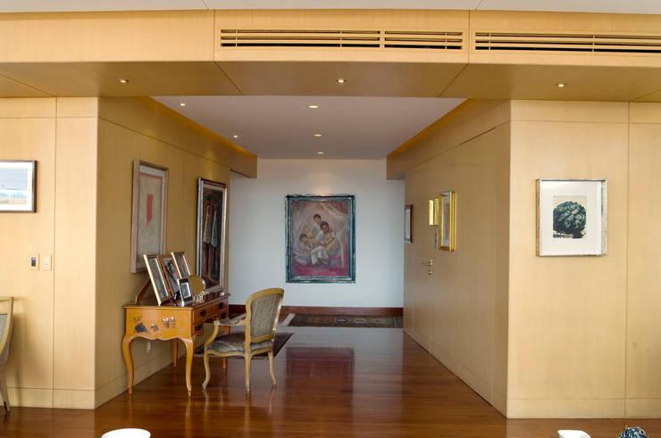 Departamento Vertientes Couloir, entrée, escaliers par ARCO Arquitectura Contemporánea