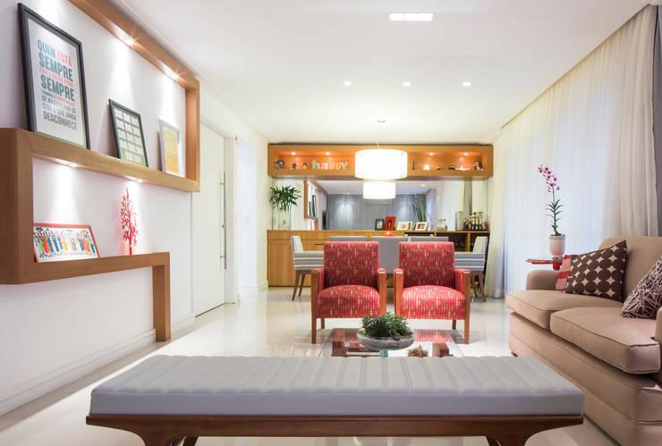 Sala de estar e jantar: Salas de jantar ecléticas por ArkDek