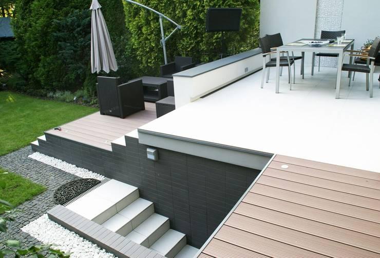 Moderner Balkon, Veranda & Terrasse von NISZA DESIGN OGRODY Modern