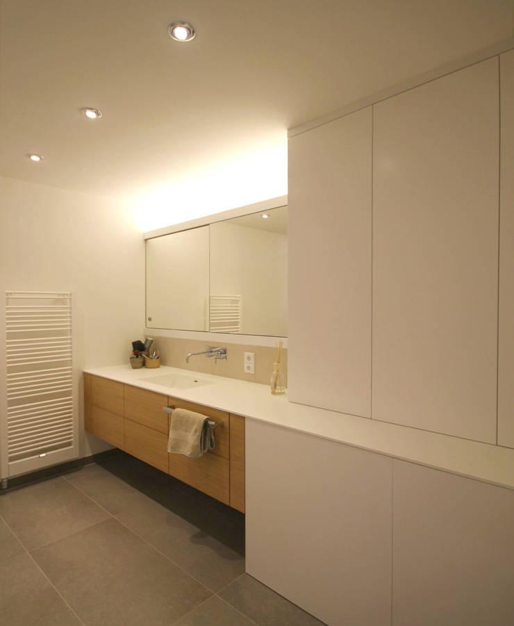 Bathroom by eswerderaum, Modern
