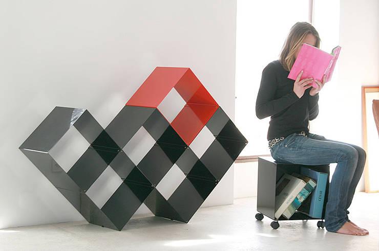 Quad 6 modules + Quad uno avec roulettes: Maison de style  par Dom Trapp