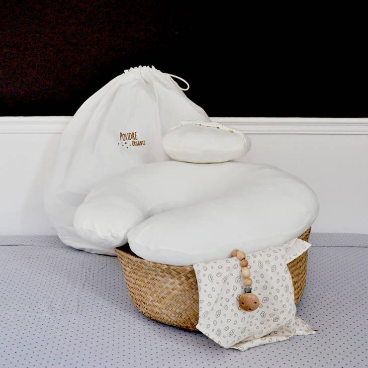 Coussin d'allaitement et son coussin cale tête bebe: Chambre d'enfants de style  par Poudre Organic