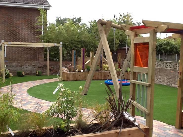 Garden playground de Timotay Playscapes Clásico