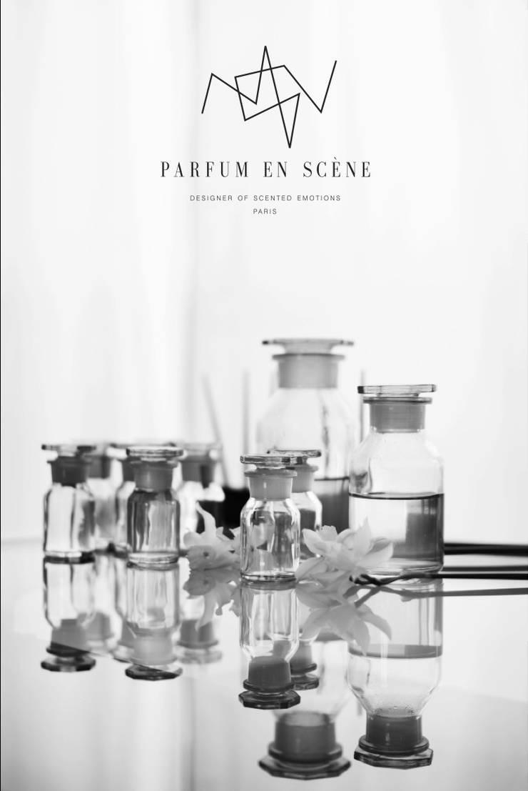 Fioles parfum en scène:  de style  par Parfum en Scène
