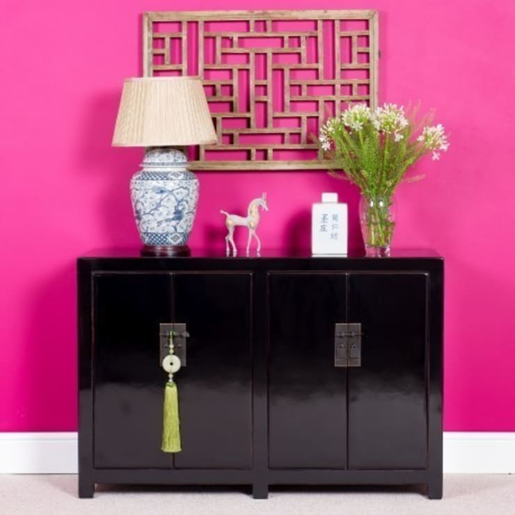 Black Lacquer Sideboard:  Living room by Orchid