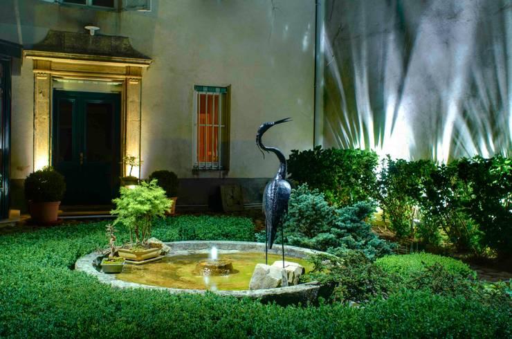 Cour nuit:  de style  par Artlight Design