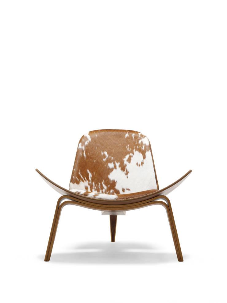 Carl Hansen Lounge Chair:  de style  par Instore