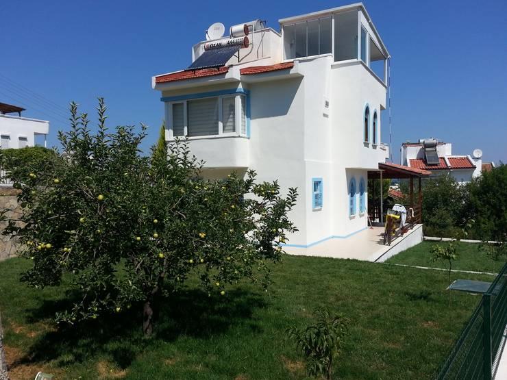 EDMİMARLIK INTERIOR STUDIO – Ayvalık Şirinkent Villa:  tarz Evler