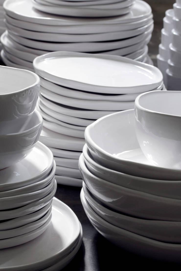vaisselle Kélibia: Cuisine de style  par zina la boutique