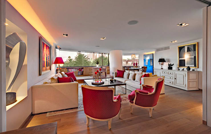 Living room by Lopez Duplan Arquitectos