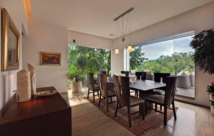 Rumah oleh Lopez Duplan Arquitectos,