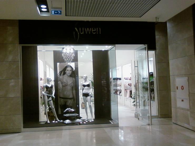 EDMİMARLIK INTERIOR STUDIO – Astoria Alışveriş Merkezi İç Giyim Mağaza:  tarz Alışveriş Merkezleri