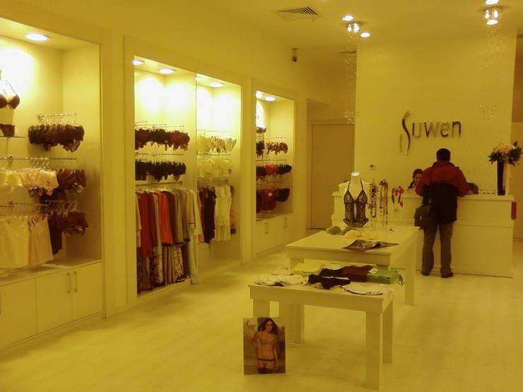 EDMİMARLIK INTERIOR STUDIO – Astoria Alışveriş Merkezi İç Giyim Mağaza:  tarz Dükkânlar