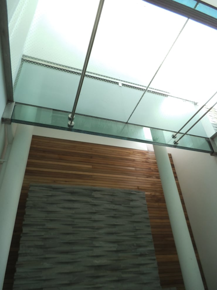 Lowndes Square:  Garden by IQ Glass UK