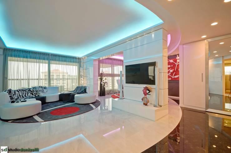 Salas de estar modernas por studiodonizelli