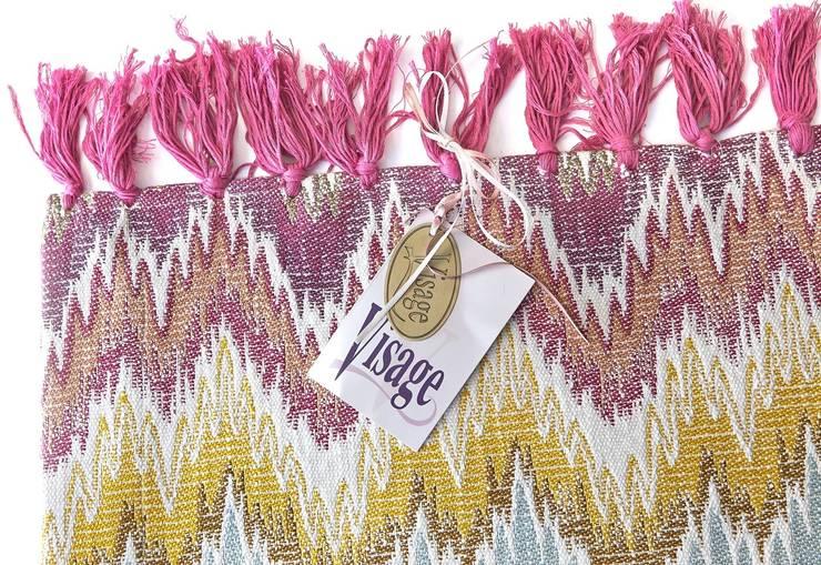 Visage Home Style – Turkish patterned Rug _ Desenli özel tasarım kilim. For more information -daha fazla bilgi için  (info@visage.com.tr) Online shop' için:  www.visage.com.tr: modern tarz , Modern