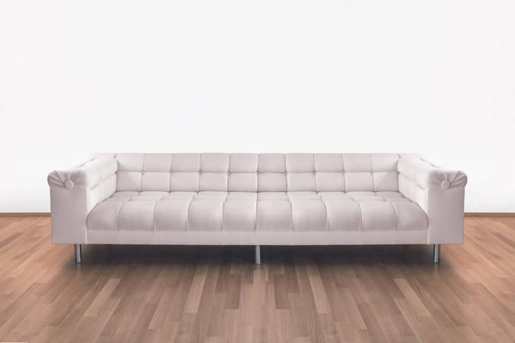 Kanzlersofa:  Wohnzimmer von uh .Wand & Raum GmbH