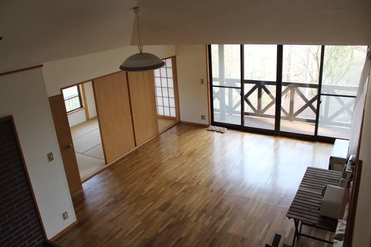 改修前のリビングと奥の和室 の 一級建築士事務所 アトリエ カムイ