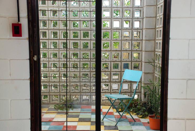 Jardines de invierno de estilo  por MULA.Arquitectos