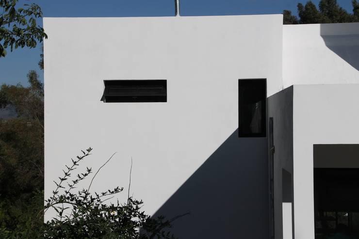 Casa MH+MM: Casas de estilo  por MULA.Arquitectos