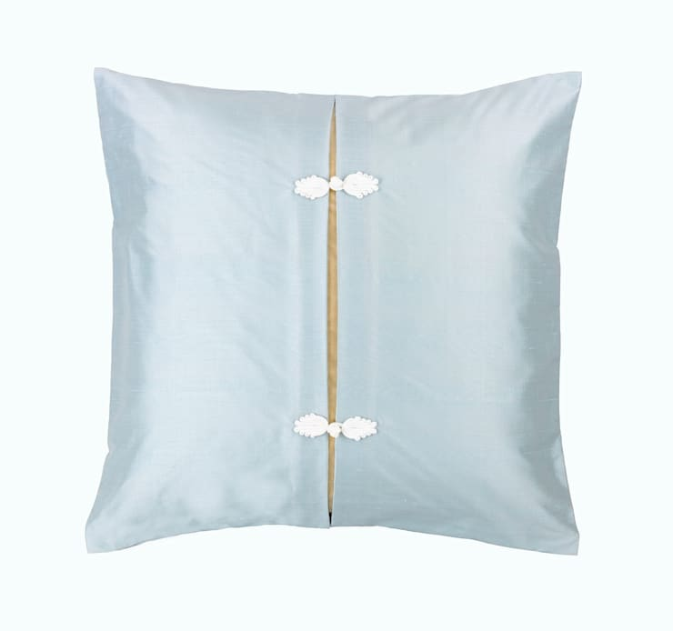 Asiatique Azure Handmade Silk Cushion:  Living room by Le Cocon