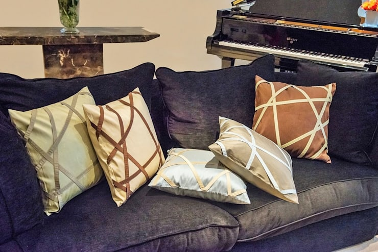 Tres Chic Handmade Silk Cushions:   by Le Cocon