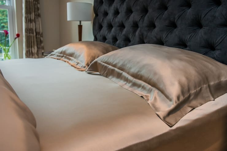Taupe Silk Bed Linen Set:  Bedroom by Le Cocon