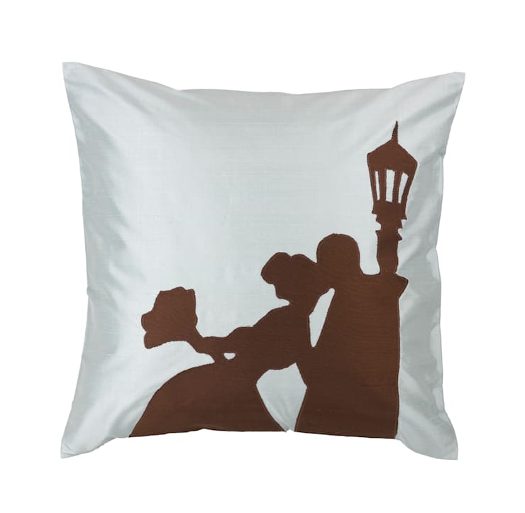 Wedding Day Handmade Silk Cushion:  Living room by Le Cocon