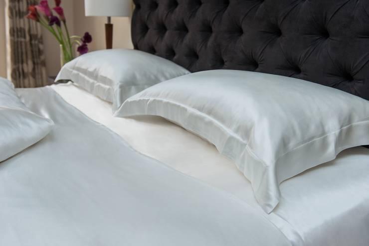 Pearl Silk Bed Linen Set:  Bedroom by Le Cocon