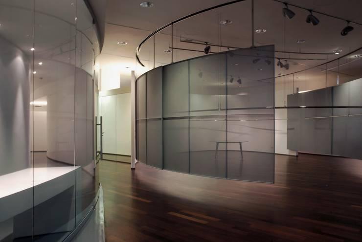 G&G Agenzia di Moda:  in stile  di Enrico Realacci Architectures,