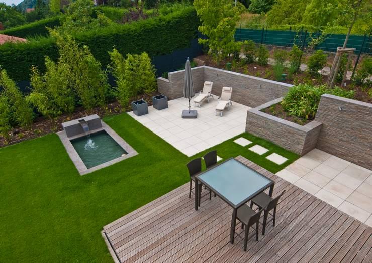 Jardim  por Bau-Fritz GmbH & Co. KG