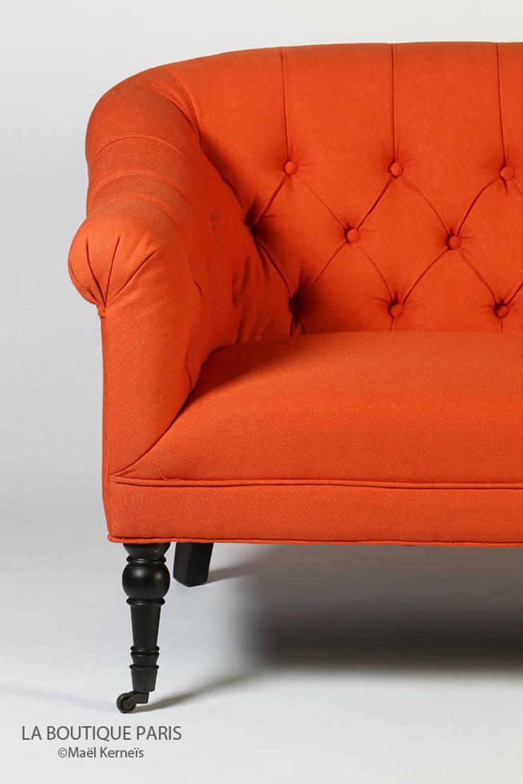 Canapé WILSON Orange: Salon de style  par La Boutique Paris