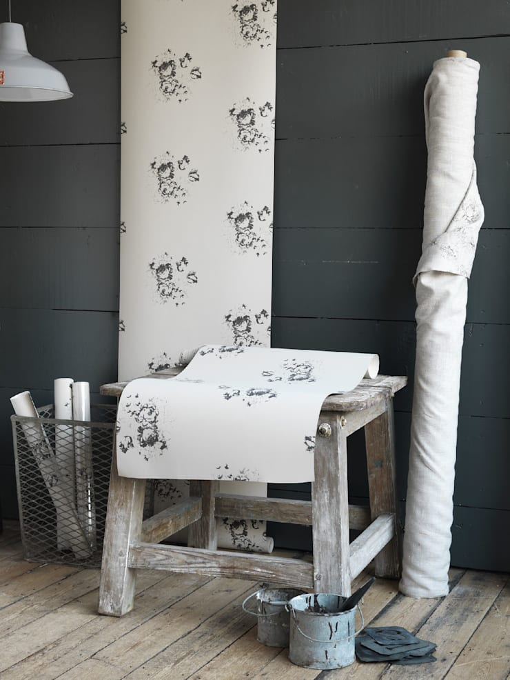 Natural Hatley Black Wallpaper:   by Cabbages & Roses