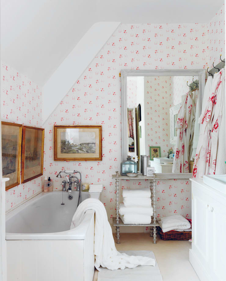 Catherine Rose Pink Wallpaper:   by Cabbages & Roses