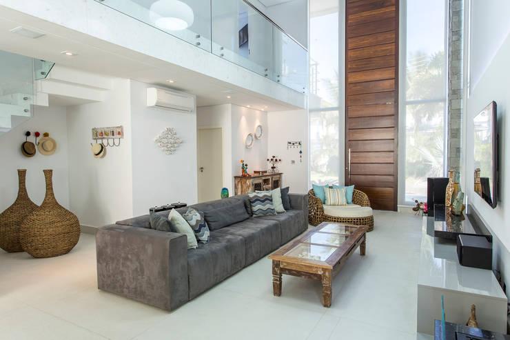 Salas de estilo moderno por Arquitetura Pini