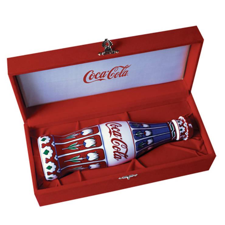 NEJLA ANIL DESIGN – Coca Cola Corporate Gift / İznik Tile:  tarz Ofis Alanları & Mağazalar