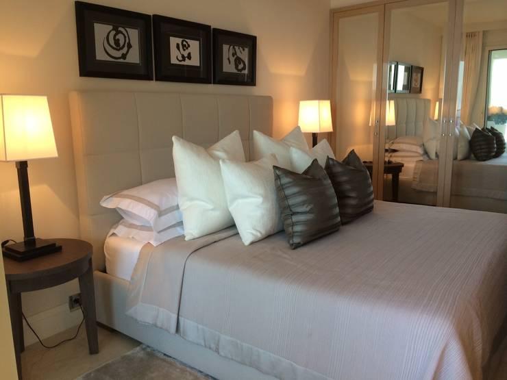 modern Bedroom by RAINERI