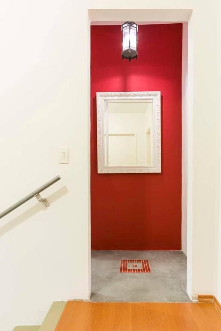 Casa Granja Julieta:   por Cristiane Bergesch Arquitetura e Interiores,
