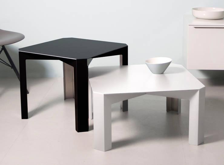 Tisc – Side and Coffee Tables: minimalistische Wohnzimmer von Westerhof Design