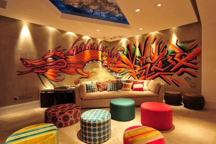 Home Theater CASACOR 2011: Salas multimídia asiáticas por Arte do Rizo