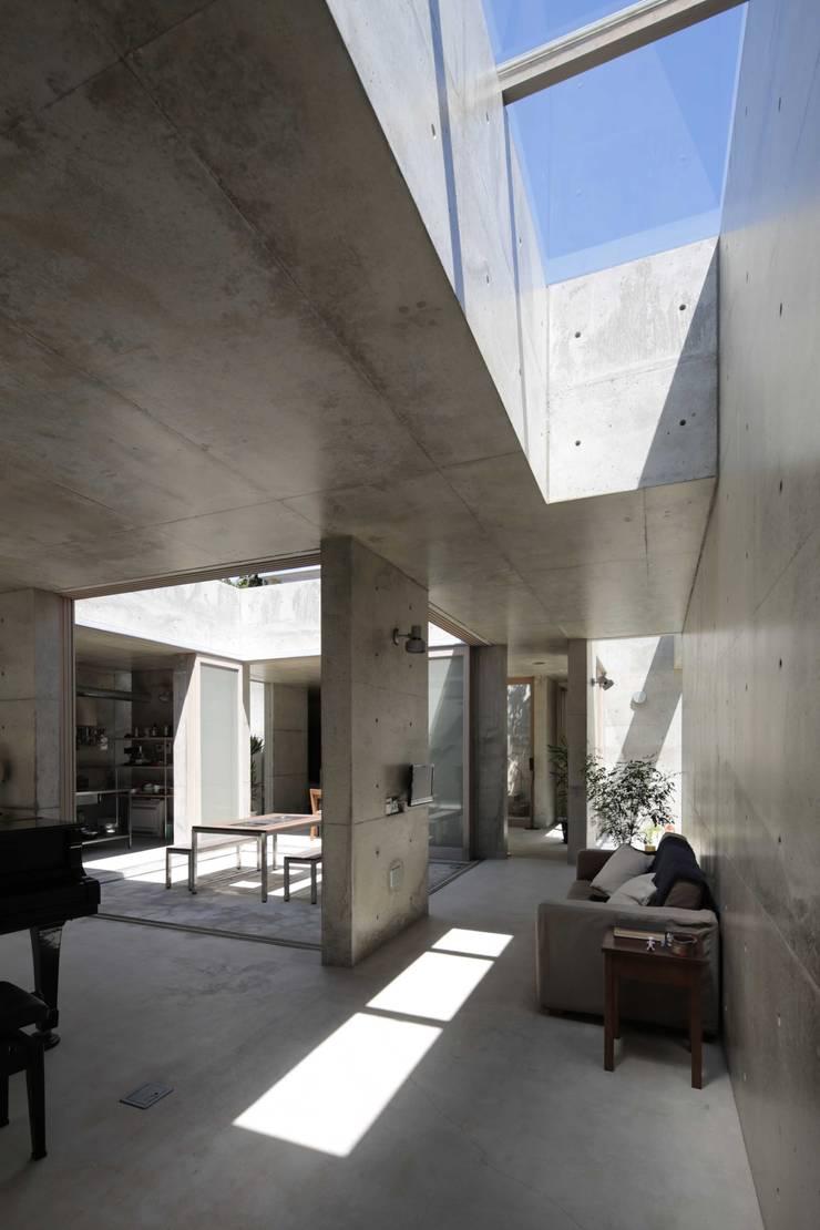 ヒュッテ閑馬: 上原和建築研究所/ Kazu Uehara Atelier, architectsが手掛けたです。