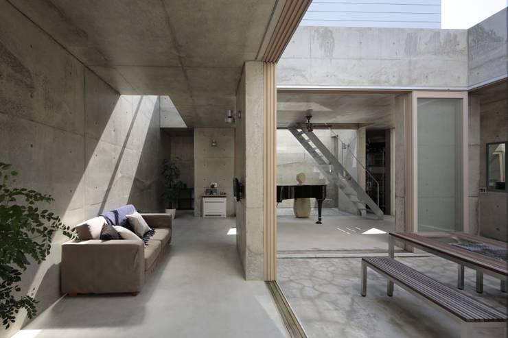 by 上原和建築研究所/ Kazu Uehara Atelier, architects