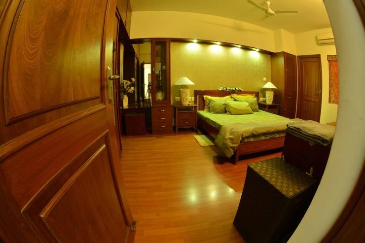 Creative Axis Interiors Pvt. Ltd.: modern Bedroom by Creative Axis Interiors Pvt. Ltd.