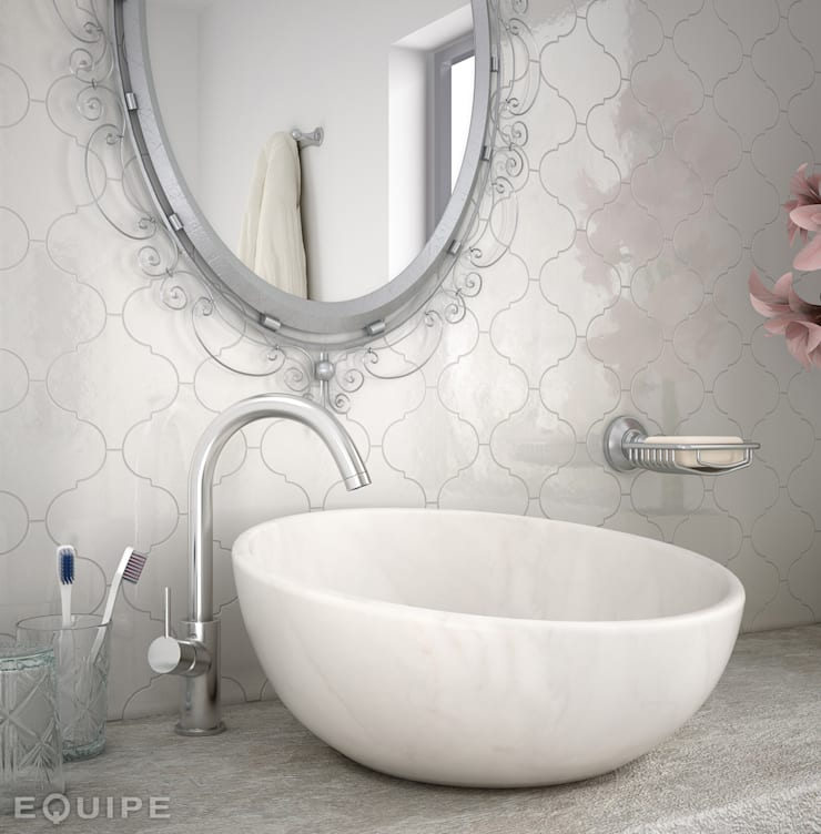 Scale Alhambra: Baños de estilo  de Equipe Ceramicas