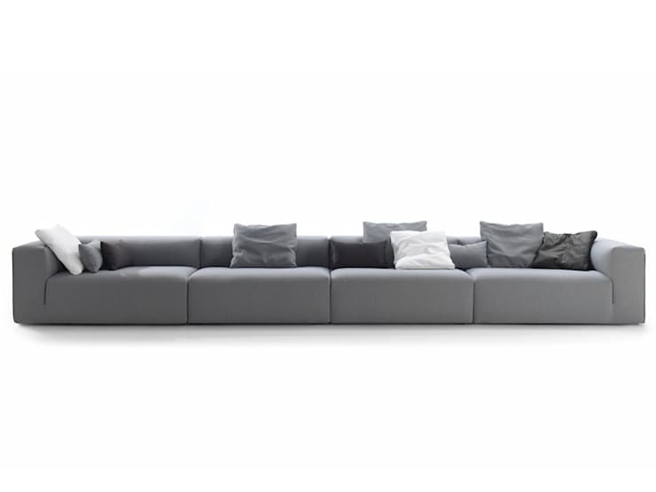 minimalistic Living room by BELTÁ & FRAJUMAR