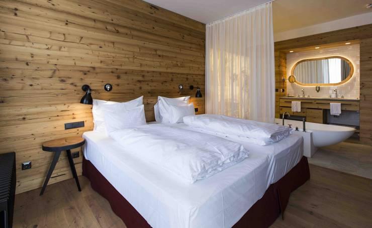 Hotel Falkensteiner: Hoteles de estilo  de PAUMATS S.L.
