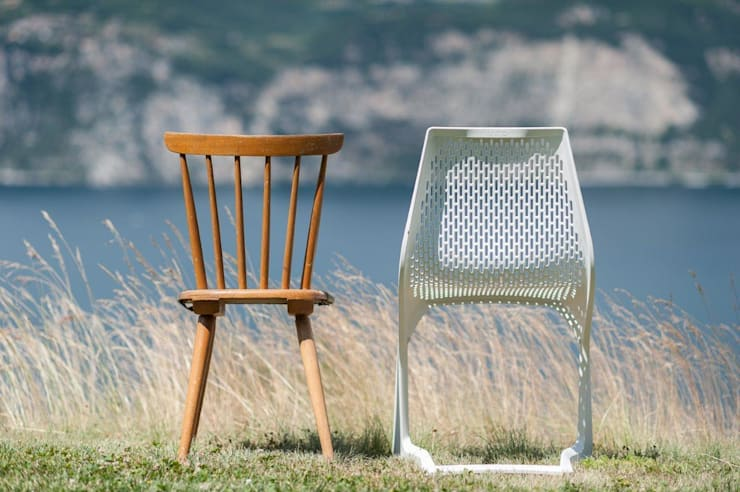 Chairs:  in stile  di Plank,